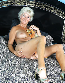 Licking pussy tanned hot granny pussy boys muscle