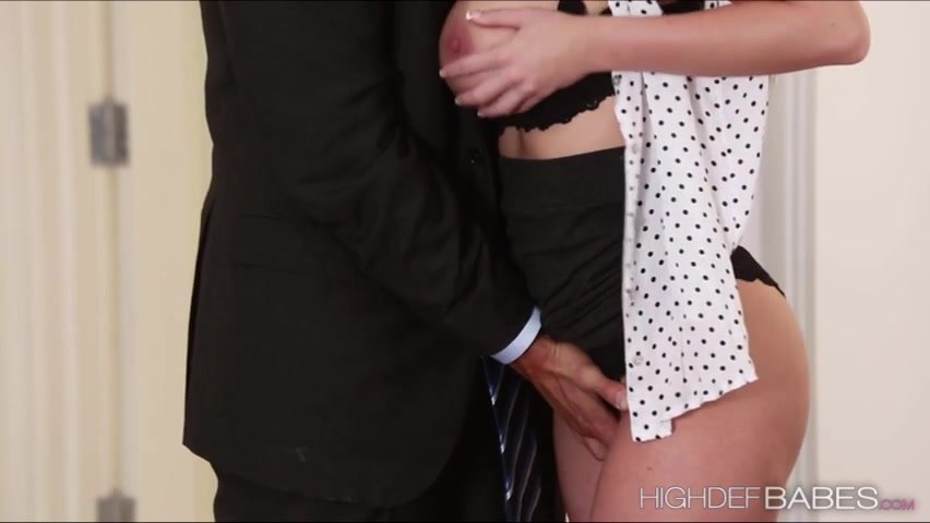 pictures-of-people-haveing-sex-in-there-office