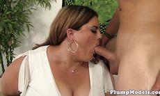 Cocksucking BBW gets banged in cowgirl