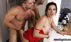 Glam brunette gets her sizzling pussy fucked