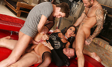Slut babe double analed by three cocks