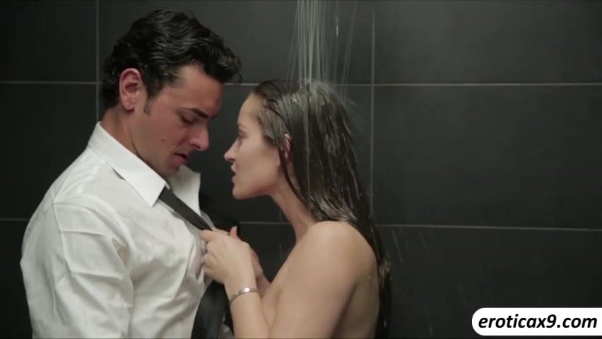 Young amateur couple making their sex photo in the bathroom