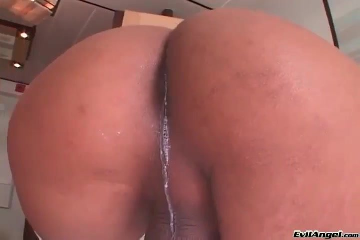 Squirting Shemale And Tranny Mobile Porn Pictures And Galleries